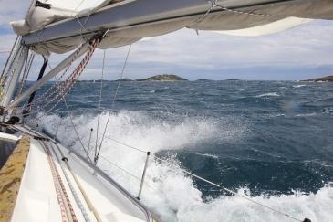 18. Manažerská jachta